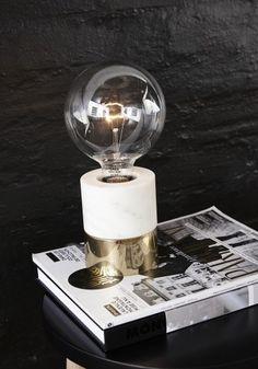http://loftbar.pl/70867-2887-thickbox/lampa-biurkowa-brass-hubsch.jpg