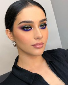 Best Winter Makeup Looks For Your Inspiration; Makeup Looks; Winter Makeup Looks; Smoking Eye Makeup Looks; Trendy Makeup Looks; Latest Makeup Looks; Glam Makeup, Flawless Makeup, Face Makeup, Makeup Glowy, Drugstore Makeup, Sephora Makeup, Makeup Geek, Makeup Box, Makeup Addict