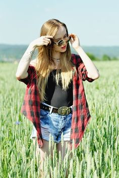 Plaid shirts and grunge forever x