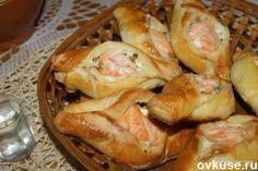 Пирожки-расстегаи, с судаком и семгой