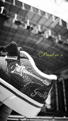 Fanart.es  Zapatillas pintadas a mano / vans guitarra