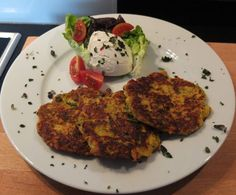 Gemüsepuffer - Gemüsebratlinge mit Knoblauch-Schmand-Dip