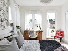 ROYALTY BEDROOM -many more sexy Swedish bedrooms here: http://inredningsvis.se/bedroom-inspiration-sleeping-like-royalty/    #beds #bedrooms #romanticbedrooms #sovrum #headboards #luxurybedrooms