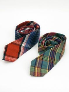Just in stock over at Blackbird are a pair of Gitman ties. Their both available in a plaid flannel fit, in a slim finish wide). They come in a red/white/blue plaid and a dark pastel/plaid finish with a very limited stock. Plaid Flannel, Blue Plaid, Handsome Boy Modeling School, Gentleman's Wardrobe, Wool Tie, Tartan Fabric, Sharp Dressed Man, Suit And Tie, Men Dress