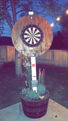 Backyard games 671388256931313350 - DIY Dart backboard Source by Backyard Games, Backyard Projects, Outdoor Projects, Backyard Landscaping, Backyard Ideas, Backyard Camping, Backyard Seating, Campsite, Landscaping Ideas