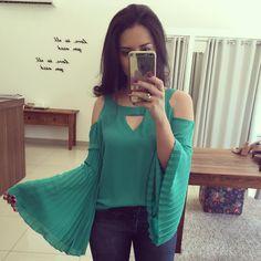 """moriahstore no Instagram: """"A blusa musa agora nesse verde bandeira ! Que manga é essa?  R$ 169,00"""""""