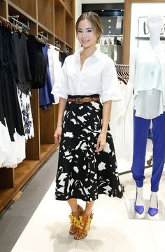 While attending a concert at the Banana Republic Flatiron store in NYC on Thursday night, Jamie Chung pumpe...