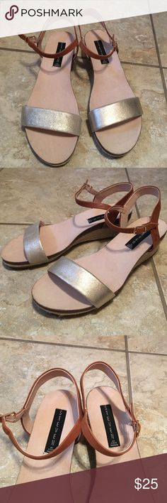 Steve Madden Sandals Steve Madden sandals worn once in excellent condition Steve Madden Shoes Sandals