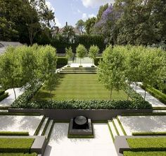 60+ Formal Garden Design Ideas_20