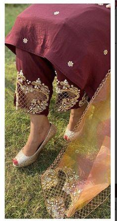 Bridal Suits Punjabi, Designer Punjabi Suits Patiala, Punjabi Suits Party Wear, Pakistani Party Wear, Pakistani Clothes Casual, Churidar Neck Designs, Beautiful Dress Designs, Trendy Suits, Designer Bridal Lehenga