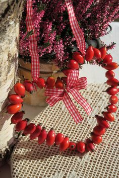 Jewellery Storage, Jewelry Organization, Christmas Wreaths, Christmas Decorations, Holiday Decor, Valentine Crafts, Valentines, Flower Factory, Red Gingham
