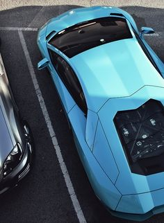 ♂ Car blue from http://wormatronic.tumblr.com/post/45341892512/teamfytbl-aventador-source-more