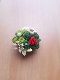 Kanzashi Flowers, Diy Flowers, Fabric Flowers, Ribbon Decorations, Japanese Hairstyle, Japanese Flowers, Textiles, Handicraft, Flower Designs