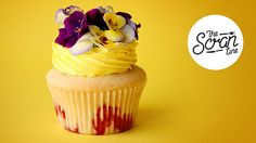 Learn how to make Strawberry Lemon Lime Cupcakes With Edible Flowers! Fruity Cupcakes, Lime Cupcakes, Yummy Cupcakes, Best Dessert Recipes, Cupcake Recipes, Delicious Desserts, Yummy Food, Cupcake Ideas, Mini Cakes