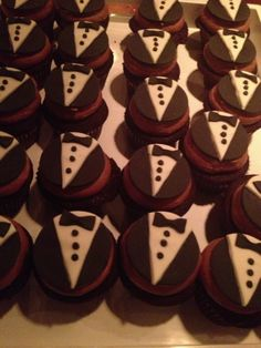 groom cupcakes