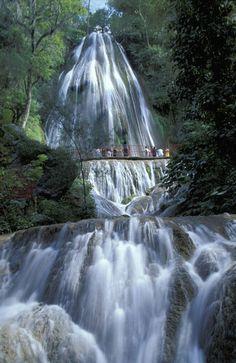 Cascada cola de caballo (Horsetail Falls), Sierra Madre Oriental near Monterrey, Nuevo Leon, Mexico