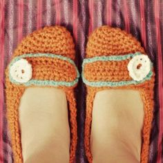 How to make crochet slippers or mary janes. if i could make slippers, my feet wouldn't be cold right now!!!