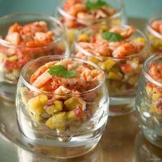 Op zoek naar een eenvoudig, lekker en gezond aperitiefglaasje voor je feestmenu? Serveer deze rivierkreeftjes met een kleurrijke salsa. Applaus verzekerd!