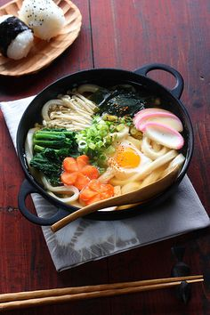 Japanese food -nabeyaki udon (hot pot udon) photo by bananagranola