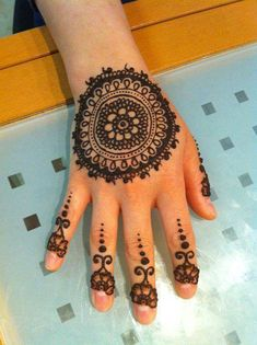 Simple and Very Easy Mehndi Designs Fresh Arrival of 2014 Please Pin it