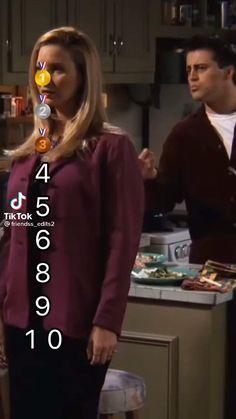 Friends Best Moments, Friends Tv Quotes, Friends Scenes, Friends Episodes, Friends Show, Chandler Bing, Phoebe Buffay, Funny Vidos, Hilarious
