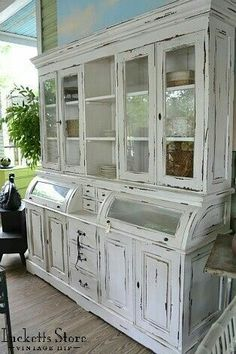 L❤ve it...this cabinet is gorgeous
