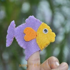 Fish  Felt finger puppet. by LATINHANDMADEVN on Etsy
