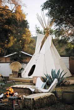 Backyard Teepee for Sale . Backyard Teepee for Sale . Teepee Tent Made with Designer Fabric Amy butler Surf Shack, Beach Shack, Camping Places, Camping Glamping, Teepee For Sale, Outside Living, Outdoor Living, Bungalow, Native American Teepee