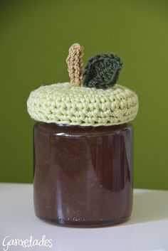 tap ganxet CROCHET. Would be cute as a gift with homemade jam in it :) or Nutella.