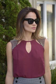 Love this blouse. Blouse Styles, Blouse Designs, Kurta Neck Design, Moda Chic, Trendy Tops, Fashion Outfits, Womens Fashion, Dress To Impress, Blouses For Women