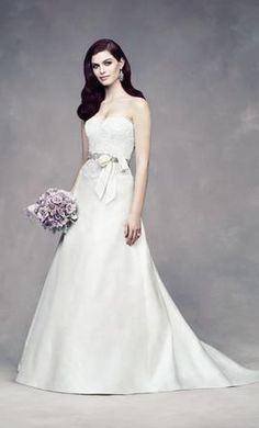 Paloma Blanca 4309 12: buy this dress for a fraction of the salon price on PreOwnedWeddingDresses.com