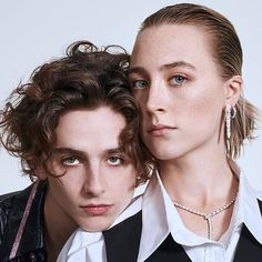 Saoirse Ronan and Timothee Chalamet Beautiful Boys, Pretty Boys, Beautiful People, Aesthetic Videos, Aesthetic Pictures, Aesthetic People, Model Tips, Timmy T, Aesthetic Vintage