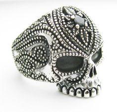 Résultats Google Recherche d'images correspondant à http://cdn102.iofferphoto.com/img3/item/166/952/803/skull-ring-925-solid-silver-tattoo-biker-black-cz-cc401.jpg