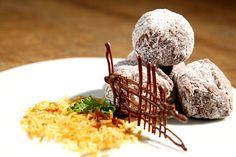 Casulo ::: #atteliededoces #docesfinos #carolinadarosci #casamento #sobremesa #docinhos #docesgourmets #mesadedoces #artesanal #chocolate #casulo