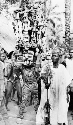 Africa   Ibibio dancing masquerader, from east provinces of Nigeria   Yoruba Ibo    Ikiot Ekpene Ilesha Onitsha Awka Amofia.  Nigeria.  ca. 1946/48   ©Edward Harland Duckworth