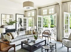 Living Room Design Ideas & Pictures on 1stdibs