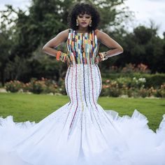 All the way from Zulu we bring to your screen this gorgeousness to inspire you your bridal fashion game. Zulu Traditional Wedding Dresses, Zulu Traditional Attire, South African Traditional Dresses, Traditional Outfits, African Dresses For Kids, Latest African Fashion Dresses, Kitenge, Zulu Wedding, African Wedding Attire