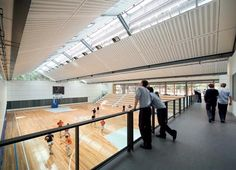 The King's School Gymnasium - BVN Donovan Hill Source by Gymnasium Architecture, School Architecture, Architecture Design, Primary School, Elementary Schools, Sport Hall, Catholic School, Wellness Center, School Design