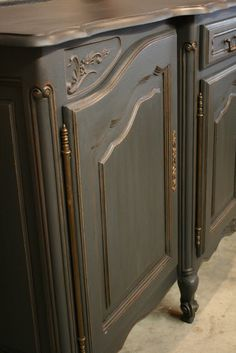 "DIY:  Chalk Painted Console Tutorial - ASCP & waxes were used on this console, lightly distressing between steps.  This piece was ""glazed"" by thinning the dark wax. This piece is stunning!!!"