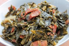 Best Soul Food Style Collard Greens The best recipe for True Southern Collard Greens.The best recipe for True Southern Collard Greens. Southern Thanksgiving Menu, Thanksgiving Recipes, Thanksgiving 2016, Thanksgiving Sides, Southern Collard Greens, I Heart Recipes, Southern Recipes, Southern Food, Southern Dishes