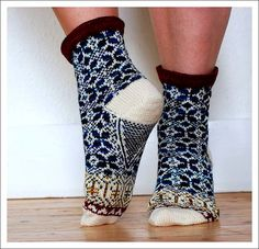 Delft Blue Socks knitted in Wollmeise