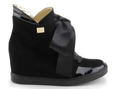 sneakersy baldowski d01022/snik/034fzł czarny lakier-zamsz Wedges, Backpacks, Sneakers, Model, Shoes, Fashion, Tennis, Moda, Slippers