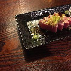 6 de 9   @amadacarlotahr #recomendaciones #cocinajaponesa #asturias #rural #sushi #menu #comidas #cenas #vscocam #gastronomia #tataki #atun #japanesefood #foodporn #foodie #instafod #deco #palillos #cat #soja #table #dinner #favouritedinner by monic_ff