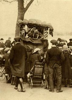 Punch & Judy show at Putney   vintage everyday: Old London in the Nineteen-Twenties