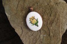 Yellow rose necklace Cross stitch handmade от IrinaJourba на Etsy