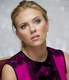Hot Female Celebrities from movie television music modeling and sport HQ photos gifs and videos fan site and forum with celebrity news and lots Hottest Female Celebrities, Celebs, Don Jon, Hollywood Walk Of Fame, Scarlett Johansson, American Actress, Celebrity News, Beautiful Women, Singer