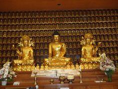 korean buddha statues