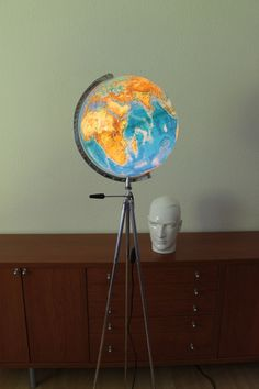 Stativlampe im Bauhausstil - Globuslampe von talentfrei auf DaWanda.com