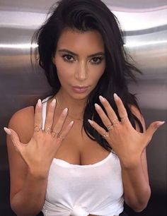 Whether you love her or you hate her, Kim Kardashian is one of the most famous faces on the planet. Explore 50 hot Kim Kardashian photos of the day. Kim Kardashian Nails, Kim Kardashian Before, Kim Kardashian Wedding, Kardashian Photos, Kardashian Fashion, Kardashian Family, Kardashian Style, Natural Nail Shapes, Natural Nails