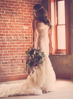 Pretty lace details on this wedding gown